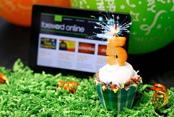 Happy birthday Foreword Online!